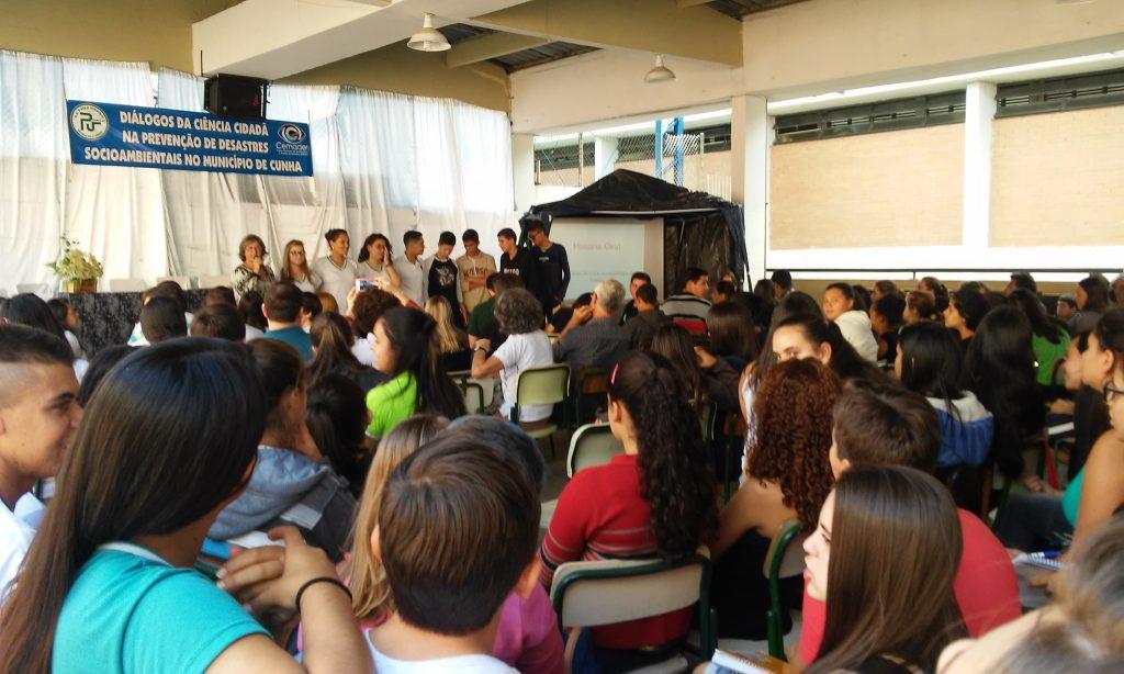 Apresentação de trabalhos pelos alunos do Projeto Cemaden Educação, em Cunha (SP) Foto : Ascom-Cemaden